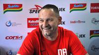 Dejan Antonic ungkap kenangan manis di kandang Arema. (Bola.com/Iwan Setiawan)