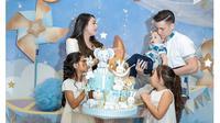 5 Momen Stefan William Rayakan Ulang Tahun ke-26, Kompak Bareng Keluarga (sumber: Instagram.com/celine_evangelista)