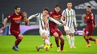 Dengan kemenangan dua gol tanpa balas tersebut Juventus sukses menggeser AS Roma dari peringkat ketiga dan unggul dua poin atas klub ibu kota. (Fabio Rossi/LaPresse via AP)