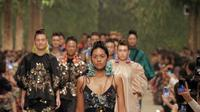 The Wonder Garden, Biyan Presentasikan Koleksi Apik di Tengah Pepohonan