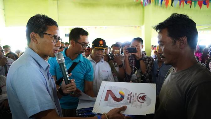 kunjungan Sandiaga Uno di desa nelayan Pasir Putih, Cilamaya, Karawang, Jawa Barat, 3 Januari 2019 (dok. Media Center Prabowo-Sandi)