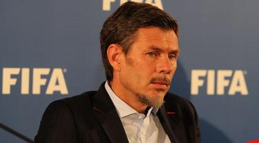 Zvonimir Boban kini menjabat sebagai deputi sekjen FIFA (FIFA)