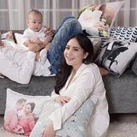 Menampilkan foto keluarga bahagia, Nagita Slavina dan Raffi Ahmad dibanjiri doa dari netizen.