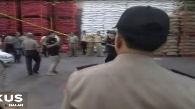 Aparat kepolisian akhirnya menetapkan Direktur Utama PT Jakarta Sereal, sebagai tersangka paska penggrebekan gudang penyimpanan 70 ton bawang merah.