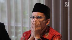 Ekspresi mantanGubernur NTB, Tuan Guru Bajang (TGB) Muhammad Zainul Majdi saat konferensi pers klarifikasi pemberitaan di Jakarta, Rabu (19/9). TGB diduga menerima aliran dana divestasi PT Newmont Nusa Tenggara periode 2009-2013. (Merdeka.com/Imam Buhori)