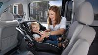 ilustrasi posisi duduk anak di mobil (pramshare)