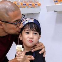 Marcell Siahaan belajar dari anaknya (Instagram/marcellsiahaans)