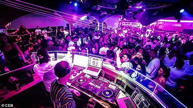 O'Club, Toulouse, Perancis