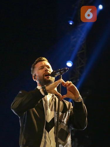 [Fimela] Calum Scott Prambanan Jazz Festival 2019