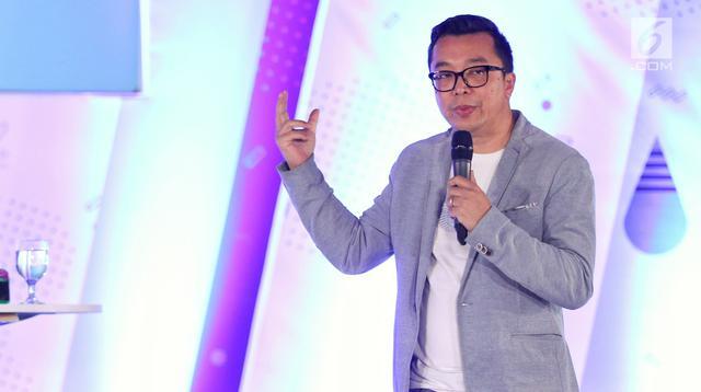 Direktur Indonesia Entertaiment Production Indra Yudhistira saat menjadi pembicara dalam acara Emtek Goes To Campus (EGTC) 2018 di Dome Universitas Muhammadyah Malang (UMM), Rabu (26/9).(Liputan6.com/Johan Tallo)