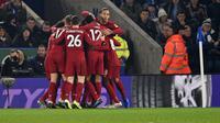 Pemain Liverpool merayakan gol yang dicetak Roberto Firmino ke gawang Leicester City pada laga boxing day di King Power Stadium,Jumat (27/12/2019) dini hari WIB (AFP)