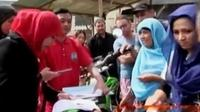 Ratusan WNA terjaring razia imigran gelap di Cisarua, Bogor. Sementara Festival Palang Pintu ke-11 resmi dibuka oleh Gubernur DKI Jakarta.