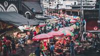Ilustrasi kesibukan, pasar. (Photo by Atharva Tulsi on Unsplash)