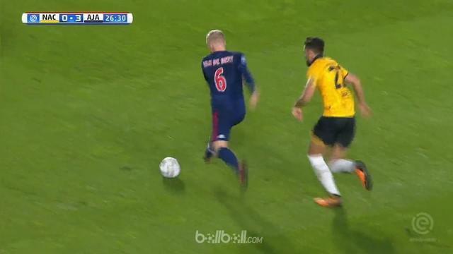 Ajax Amsterdam pesta gol di markas NAC Breda 8 gol tanpa balas. This video is presented by Ballball.
