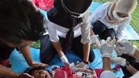Simulasi Penanganan Bencana yang Diberikan Kemendesa PDTT kepada masyarakat Desa Padang Pelasan Kecamatan Air Periukan, Kabupaten Seluma, Bengkulu. (Foto: Dokumen Kemendesa PDTT)