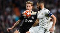 Gelandang muda Ajax Amsterdam, Frenkie De Jong. (AFP/GABRIEL BOUYS)