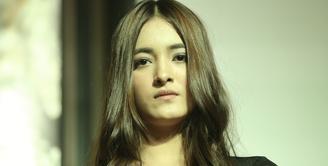 Artis muda Mawar Eva De Jongh menerima tawaran baru dalam genre horor.  Untuk kali pertamanya sejak berkarier ia terlibat dalam film genre horor. Ia mengaku tertarik dengan ceritanya. (Nurwahyunan/Bintang.com)