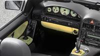 Mercedes Benz SL-Class 1998 ini dilengkapi joystick sebagai pengganti lingkar kemudi (Thedrive.com)