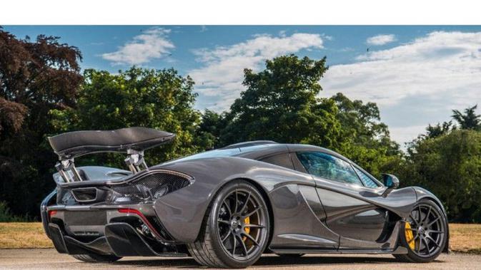 Jenson Button, mantan juara dunia Formula 1 menjual McLaren P1 miliknya (Motor1)