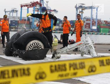 Bagian Roda Pesawat Lion Air PK-LQP Dipindah