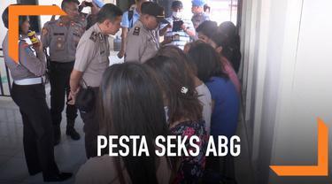 18 psk ditangkap di salah satu penginapan di Ambon. Mereka diduga ditangkap saat sedang pesta seks.