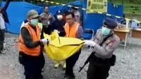 Jenazah 3 penambang liar yang tertimbun di Gunung Pongkor, telah diserahkan kepada keluarga.