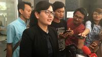 Sekjen PSSI, Ratu Tisha Destria, memenuhi penggilan Satgas Anti-Mafia Bola, Jumat (4/1/2019). (Bola.com/Benediktus Gerendo Pradigdo)