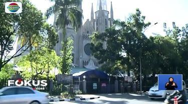 """Pelaksanaan Paskah di Gereja Katedral kali ini mengangkat tema persatuan, yaitu """"Kita Bhinneka, Kita Indonesia""""."""