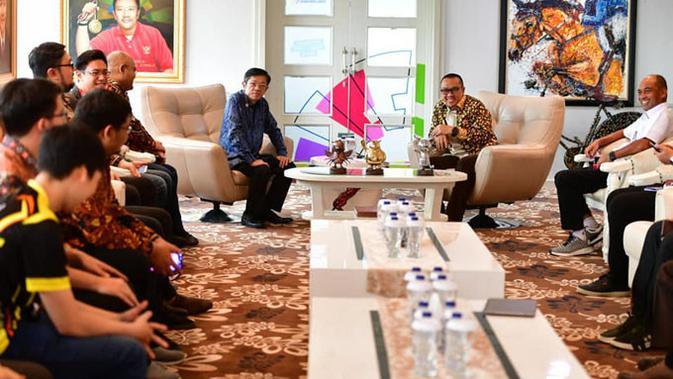 Menpora Imam Nahrawi bertemu dengan para pengurus IeSPA di Senayan, Jakarta, Selasa (4/12/2018). (Doc: IeSPA)