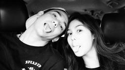 Pasangan pemeran bintang film Teman Tapi Menikah, Adipati Dolken dan Vanesha Prescilla sering kali dikabarkan memiliki hubungan khusus. (Instagram/)