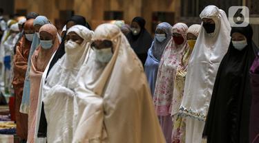 FOTO: Pelaksanaan Salat Tarawih Pertama di Masjid Istiqlal