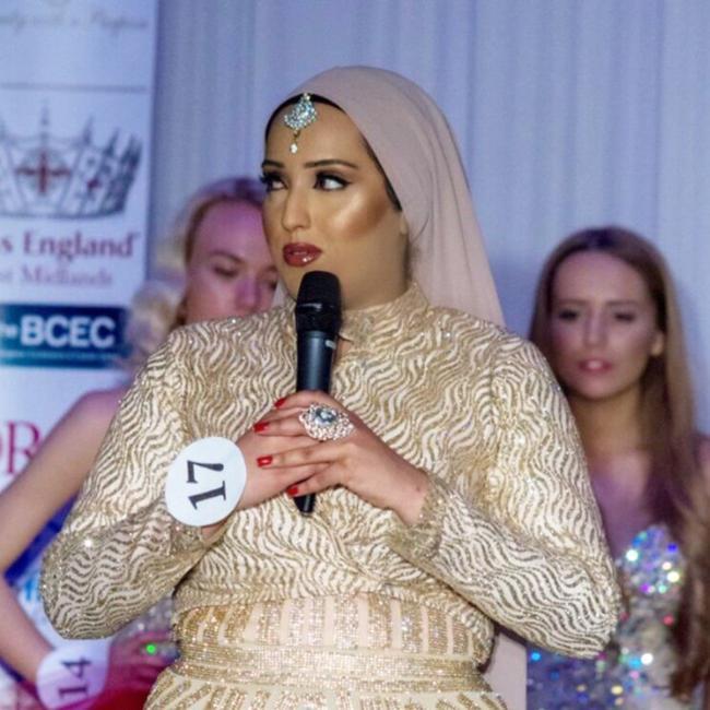 Wanita berhijab pertama yang mengikuti Miss England./Copyright Daily Mirror/Roland Leon
