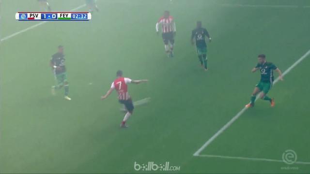 Berita video highlights Eredivisie 2017-2018 antara PSV Eindhoven melawan Feyenoord dengan skor 1-0. This video presented by BallBall.