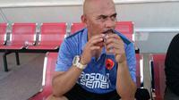 Eks asisten pelatih Persib, Herrie Setiawan, selangkah lagi jadi pelatih tim PSM U-19. (Bola.com/Abdi Satria)