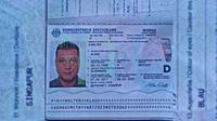 Paspor milik Wolter Klaus, warga Jerman yang diduga hilang saat mendaki Gunung Sibayak di Kabupaten Karo, Sumatera Utara. (Liputan6.com/Reza Efendi)