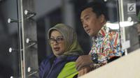 Menpora, Imam Nahrawi (kanan) bersama Ketua Umum Persani, Ilya Avianti jelang membuka Kejuaraan Junior Senam Artistik Asia ke-15 di Istora Senayan, Jakarta, Rabu (25/4). 20 negera ambil bagian pada ajang ini. (Liputan6.com/Helmi Fithriansyah)