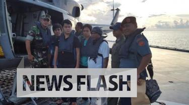 Selain prajurit TNI, ada tujuh awak media yang selama sebulan terakhir memantau upaya pembebasan sandera anak buah kapal (ABK) KM TB Henry. Namun ada cerita unik di balik penjemputan eks sandera ini. Ternyata, tujuh jurnalis ini tidak menyadari henda...