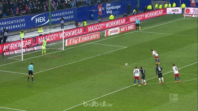 Hamburger kian terperosok di zona degradasi setelah berbagi angka 1-1 dengan rivalnya Mainz. Dengan raihan satu poin, Hamburg hany...