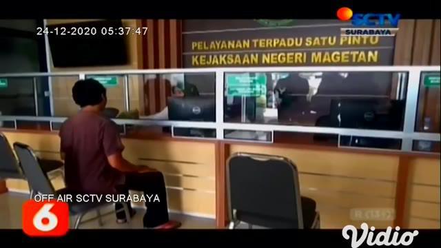 Sebanyak 12 tenaga kesehatan di RSUD Bangkalan, Jawa Timur, positif terpapar Covid-19. Namun demikian RSUD Bangkalan tidak ditutup dan tetap melayani pasien.