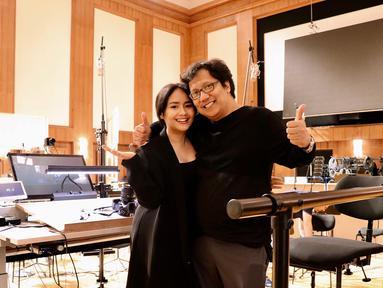 Lahir dari keluarga musisi membuat Gita tak bisa lepas dari musik. Setelah lulus kuliah Gita makin giat berkarya di bidang musik. Pilihan Gita pun didukung oleh sang ayah yang juga merupakan komposer kebanggaan tanah air.  (Liputan6.com/IG/@gitagut)