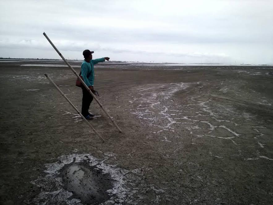 Lokasi pabrik PT CPS di Porong Sidoarjo tempat Marsinah dulu bekerja yang kini sudah terendam lumpur Lapindo. (Liputan6.com/Dhimas Prasaja)