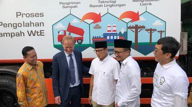 Wakil Gubernur DKI, Sandiaga Uno, meresmikan pembangunan pembangkit tenaga sampah di Sunter (Liputan6.com/Nanda Perdana)