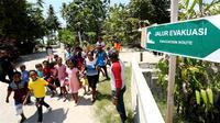 Metode mengenali wilayah sendiri untuk melatih warga Kepulauan Aru, kemarin (17/11/2019) dapat membantu warga memilih jalur evakuasi aman saat bencana terjadi. (Dok Badan Nasional Penanggulangan Bencana/BNPB)