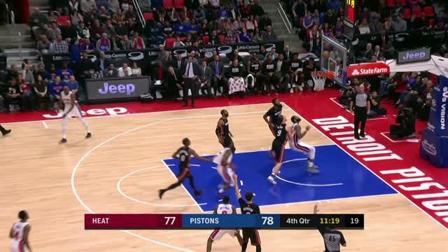 Berita video game recap NBA 2017-2018 antara Detroit Pistons melawan Miami Heat dengan skor 111-107.