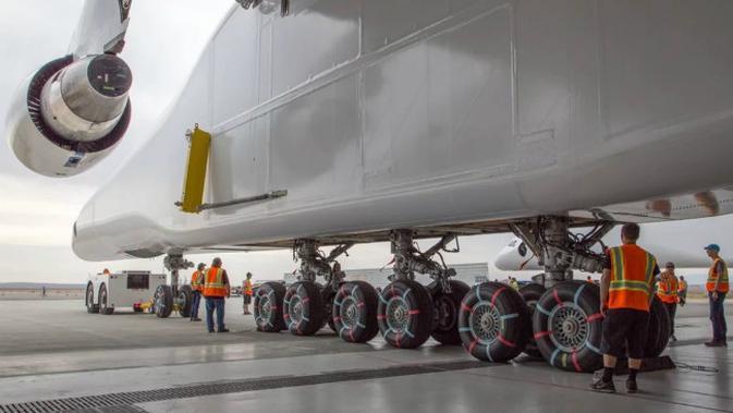 Pesawat Stratolaunch memerlukan waktu pengembangan sekitar 7 tahun lamanya. (Sumber Stratolaunch Systems Corp)#source%3Dgooglier%2Ecom#https%3A%2F%2Fgooglier%2Ecom%2Fpage%2F2019_04_14%2F581703