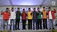 Sembilan sekjen partai politik pendukung Jokowi foto bersama usai bertemu dengan ketua dan komisioner KPU, Jakarta, Selasa (7/8). Kedatangan 9 sekjen tersebut untuk berkonsultasi terkait pendaftaran Capres dan Wapres. (Merdeka.com/Iqbal S. Nugroho)
