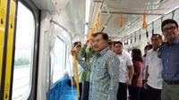 Moda Raya Terpadu (MRT) akan segera dioperasikan pada Maret 2019. Jelang pengoprasian, Wakil Presiden Jusuf Kalla meninjau Mass Rapid Transit atau MRT, Rabu (20/2/2019).