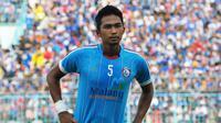 Bagas Adi Nugroho, bek Arema FC. (Bola.com/Iwan Setiawan)