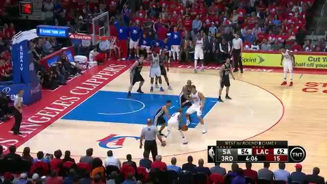 Blake Griffin tampil ciamik dengan menyumbangkan 26 poin, 12 rebound dan enam assist untuk Los Angeles Clippers