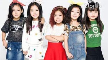 Mini Girl, girl band asal China bikin heboh netizen lantaran terdiri dari bocah-bocah berusia lima tahun. Selengkapnya hanya di Starlite!